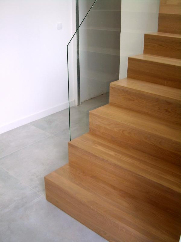 Drewniane schody dywanowe Rzeszów