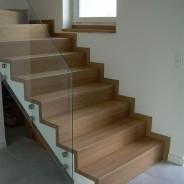 Boguchwała schody na betonie