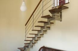 Ażurowe schody w mieszkaniu Podkarpacie